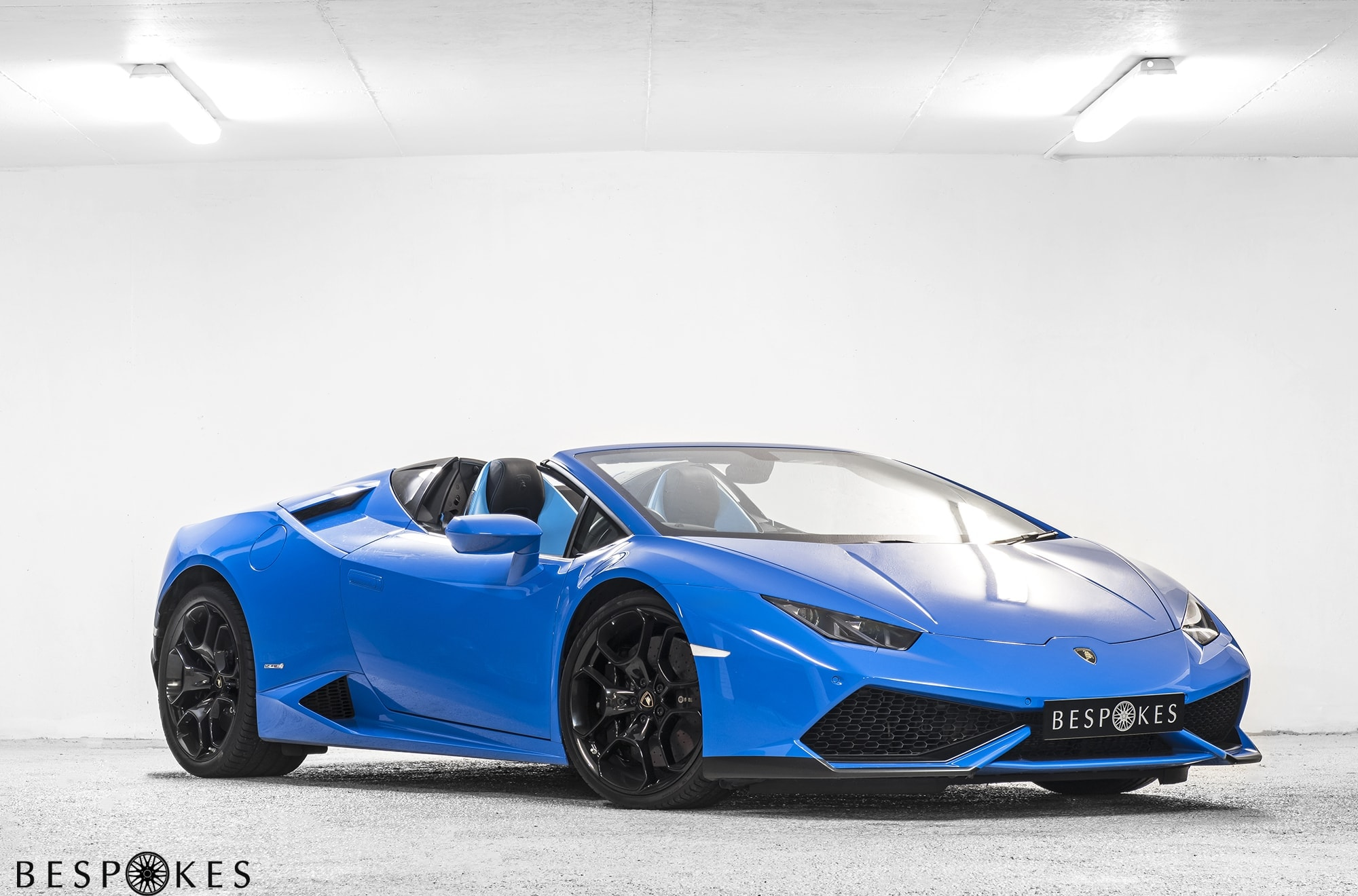 Lamborghini Huracan Spyder available for Hire